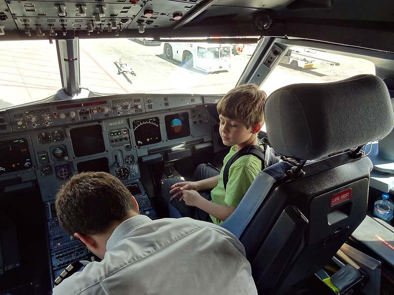 Und das Beste? Fachsimpeln im Cockpit!