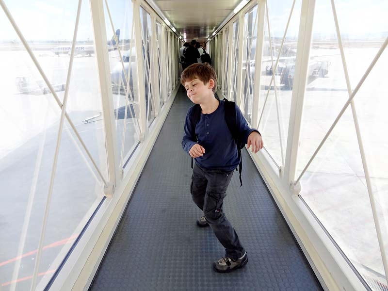 Wir sind immer die letzten ins Flugzeug - dann haben wir das ganze Fingerdock für uns alleine